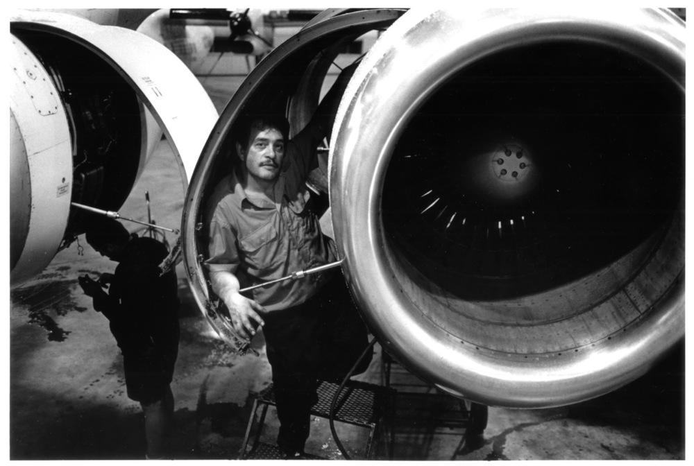 aircraft engine technicia.6.jpg
