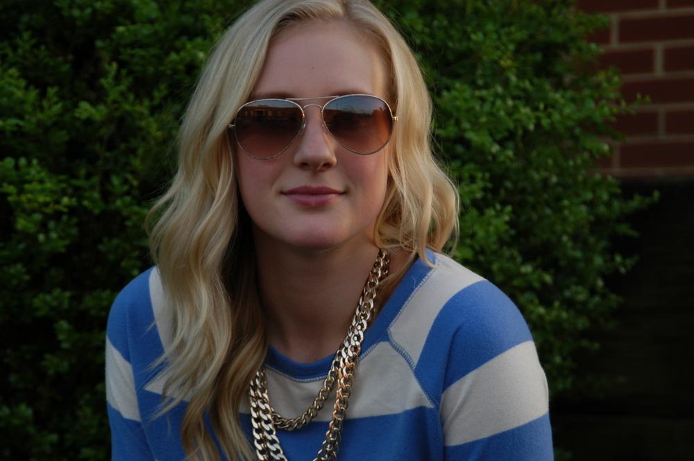 Sweater: Target ( similar ) | Jeans:  Old Navy  | Shoes: Shick by Dolcis (Europe) | Belt: J.Crew | Necklace:  Baublebar  | Glasses: H&M | Bag: Lulu's