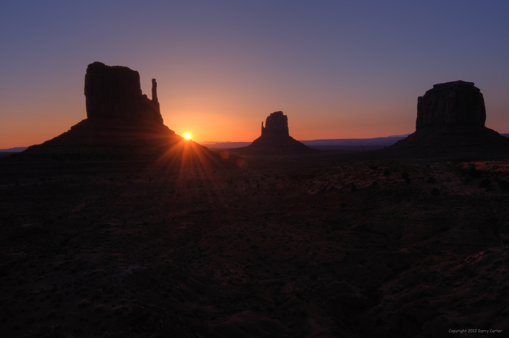 _GC73283-7TM Monument Valley Sunrise.jpg
