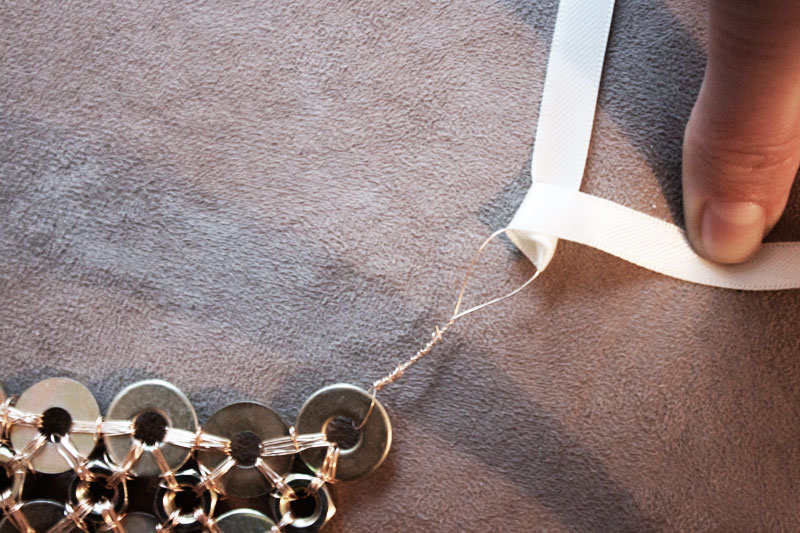 128js-DIY-Washer-Necklace-13.jpg