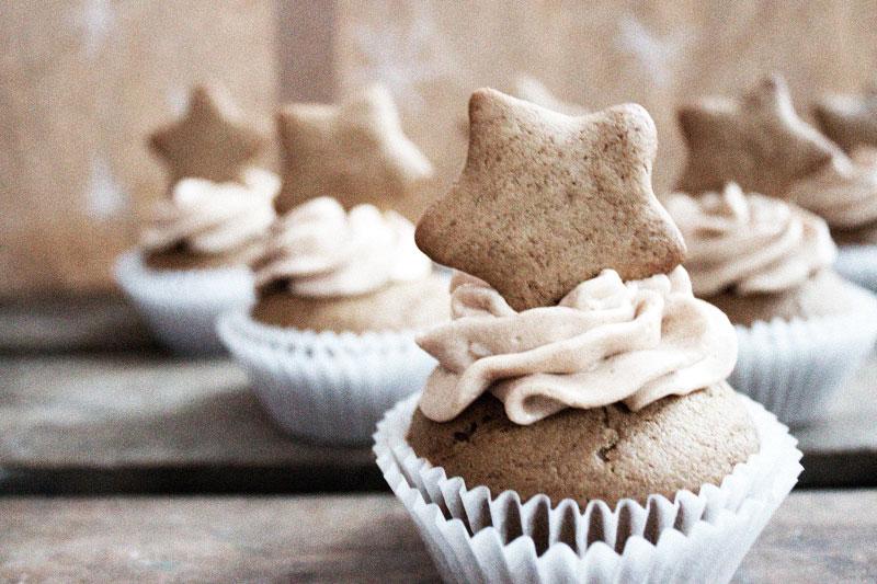 128js-Gingerbread-Cupcake-8.jpg