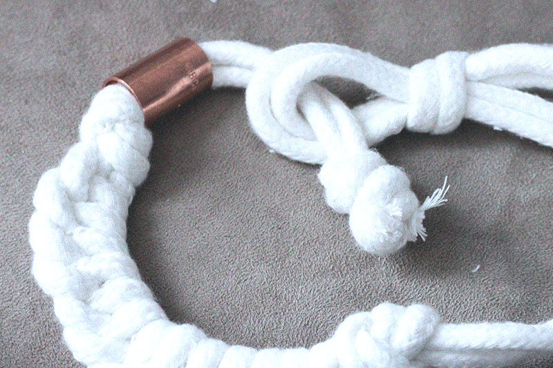 how to get tight knots out of necklaces