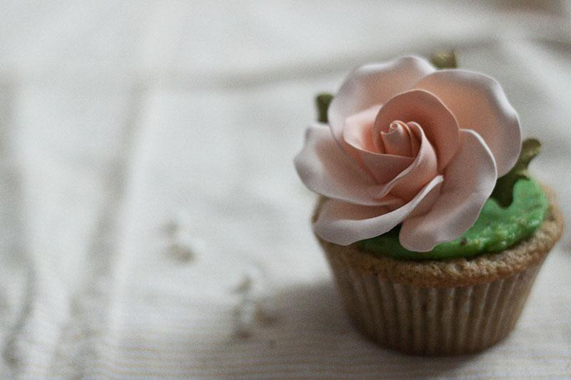 128js-Spring-Tiered-Pistachio-Cupcake-17.jpg