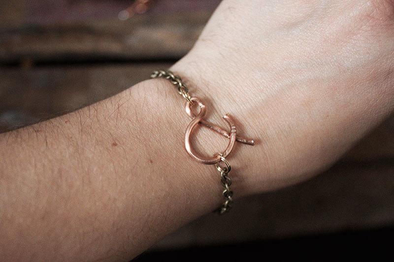 128johnst-Ampersand-Bracelet-DIY-11.jpg