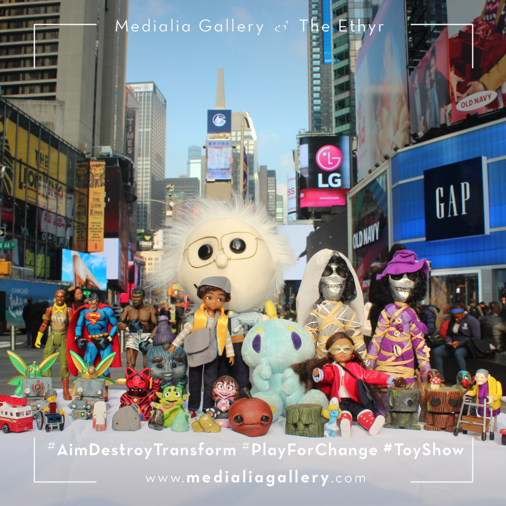 MedialiaGallery_The_Ethyr_AimDestroyTransform_Toy_Show_NYC_Tour_Group_TimesSquare_November_2017.png