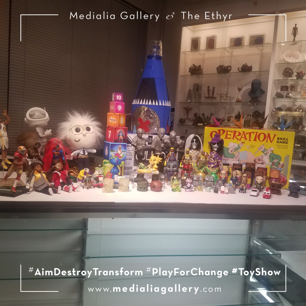 MedialiaGallery_The_Ethyr_AimDestroyTransform_Toy_Show_NYC_Tour_Group_Medialia_November_2017.png