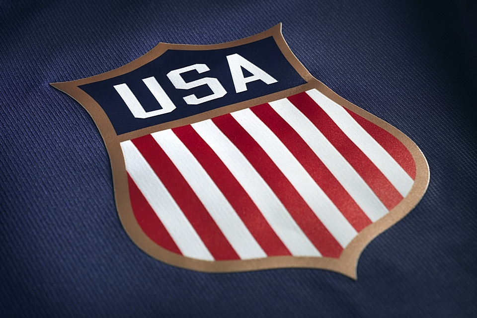 The crest is small but classy. Just looking at it sort of takes you back in time. No? Just me?