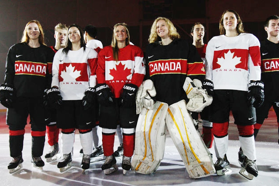 The full uniforms were seen at the official unveiling at Mattamy Athletic Centre in Toronto. Photo from  Toronto Sun .