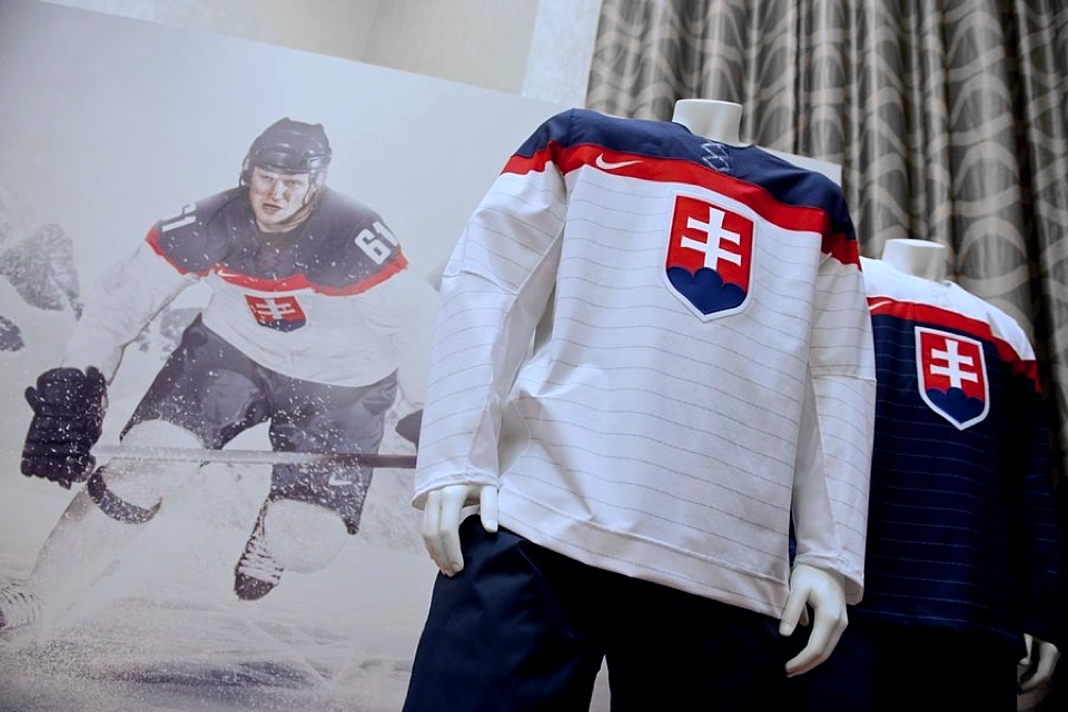 A parting shot of Slovakia's new uniforms comes from SME.sk, credited to TASR.