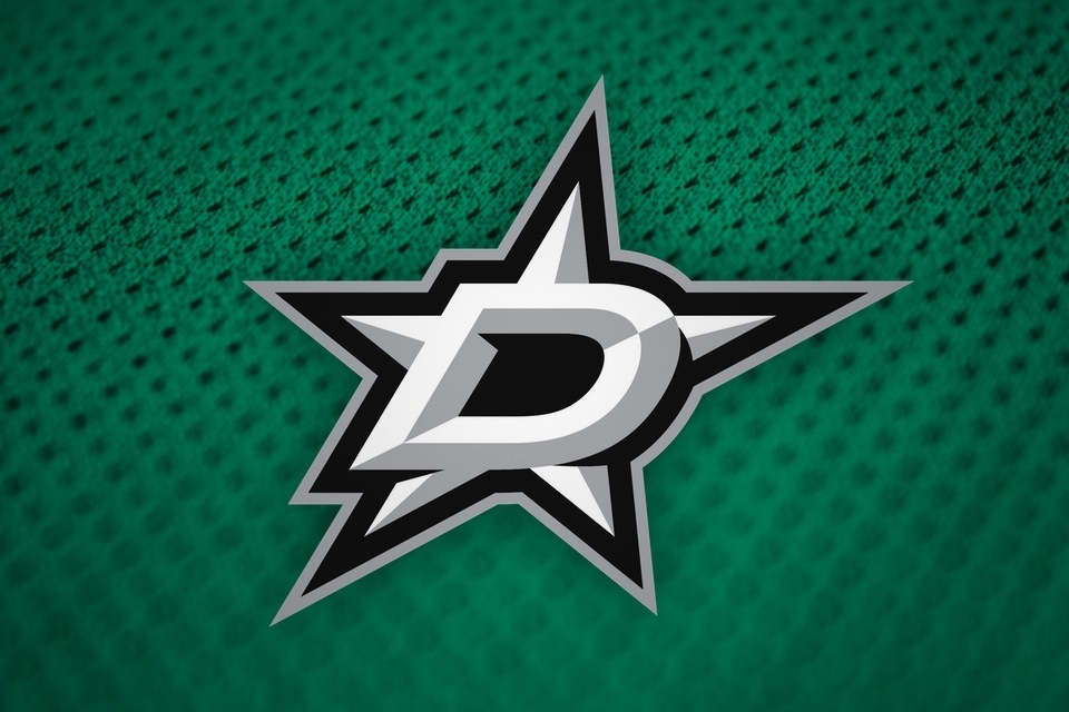 Primary logo, home jersey