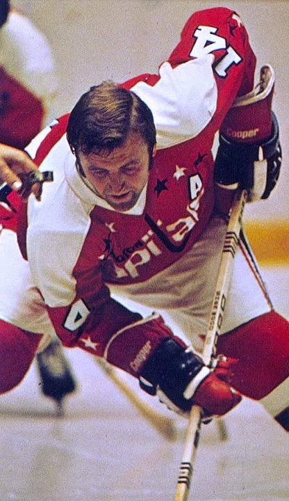 The Capitals wore white pants briefly in the 1974-75 season.