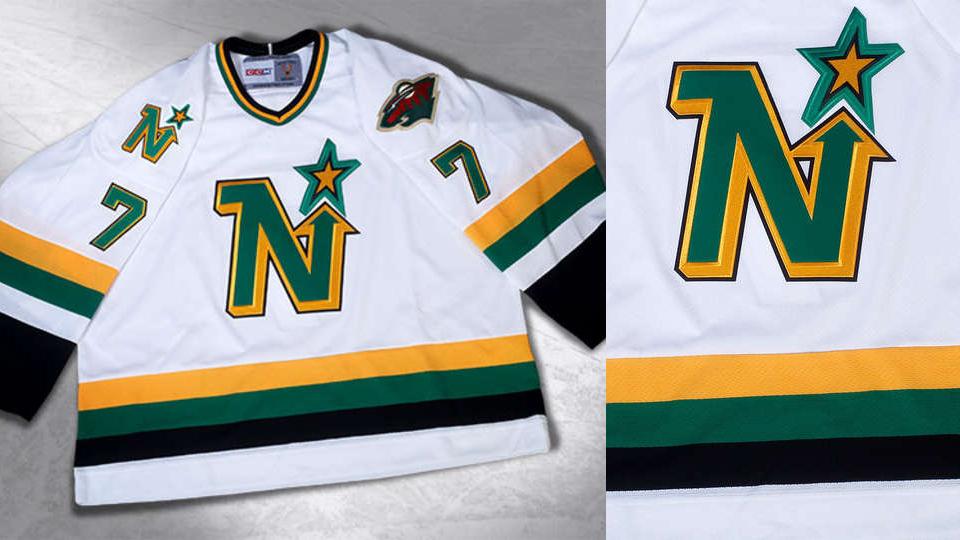 56a6e7f0d Minnesota s NHL alumni resurrect North Stars jersey