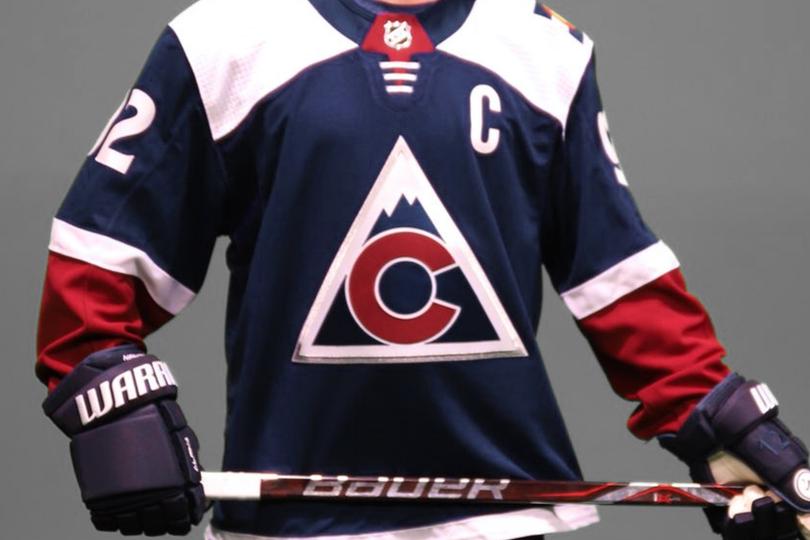 col18alt-jersey.png