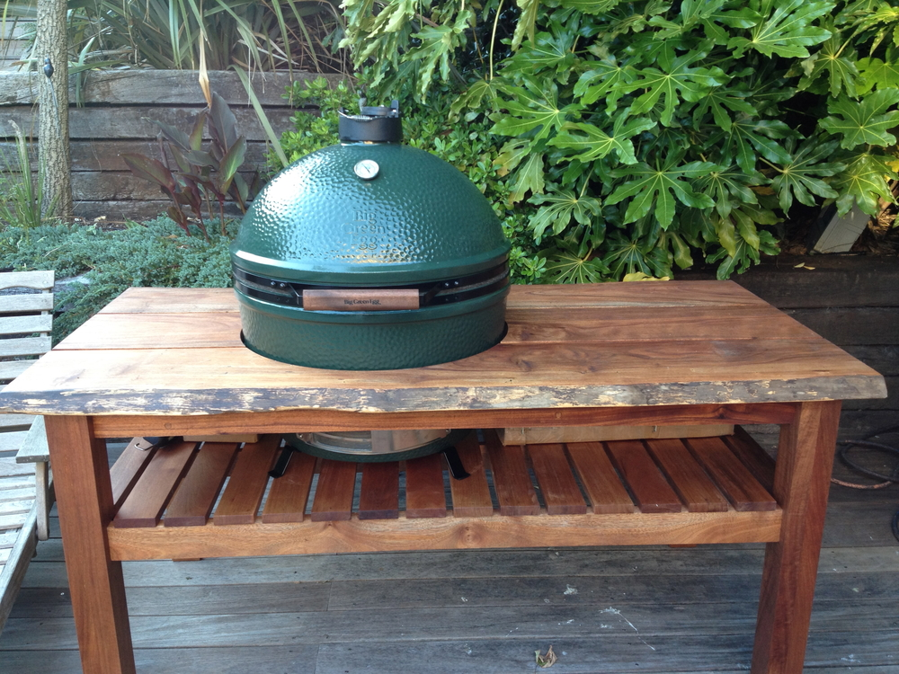 First look at the Big Green Egg
