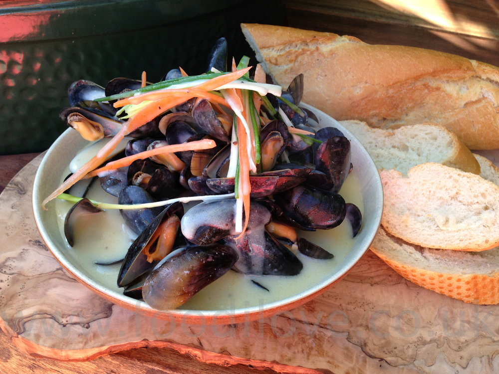 Moules Marinières on the Braai/BigGreenEgg
