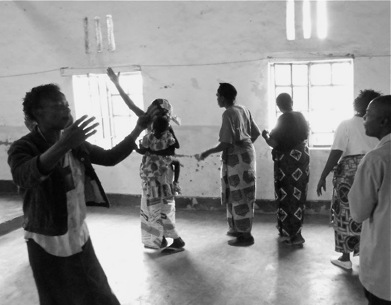 Care Workers in Democratic Republic of Congo, worshiping during a Maranatha Workshop
