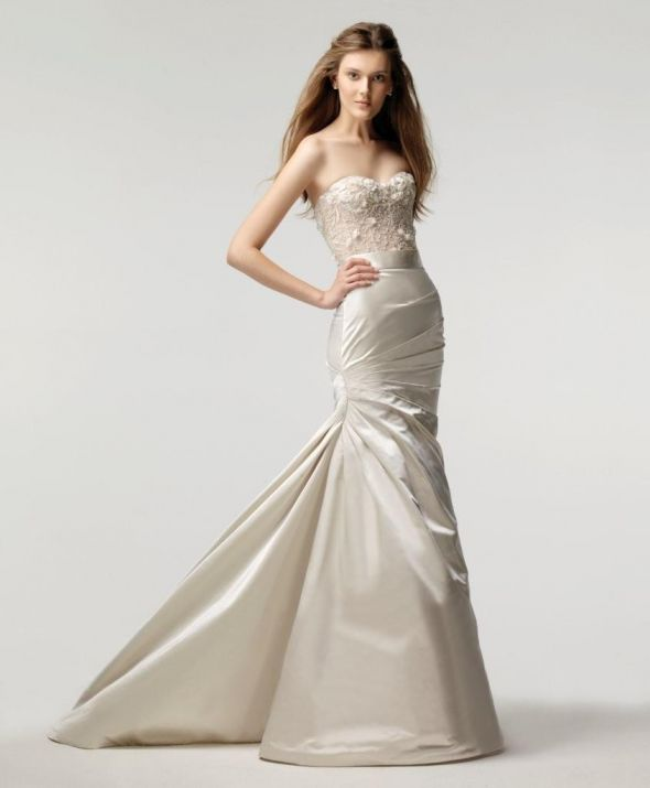Monique Lhuillier Magical wedding gown