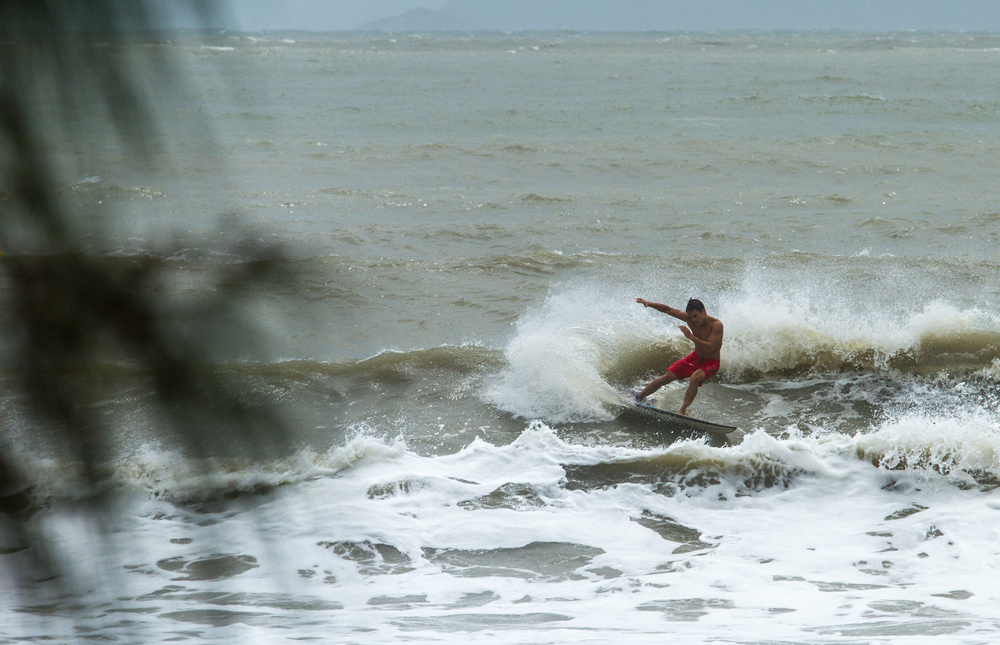 Typhoon Kalmaegi Surf-9.jpg