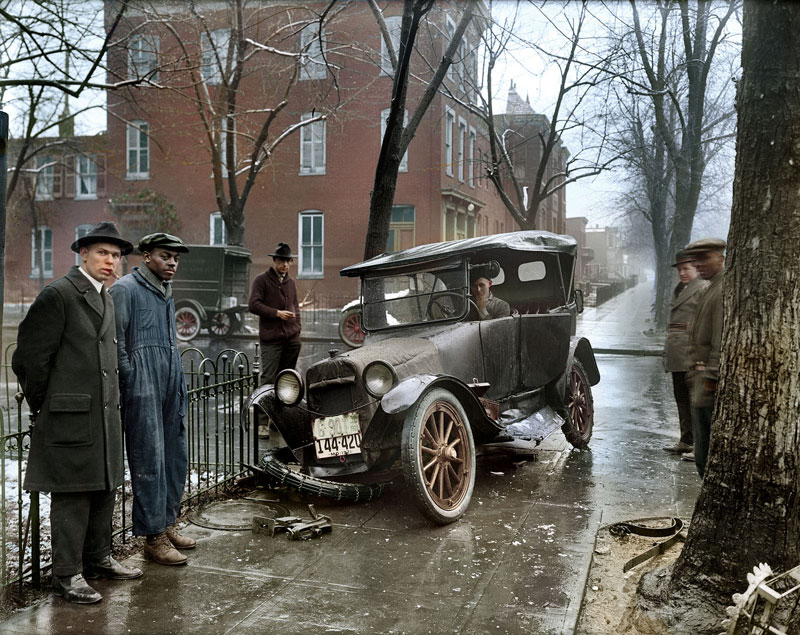 Auto Wreck in Washington D.C, 1921  Colorized by  Sanna Dullaway  |  forrifarg.se