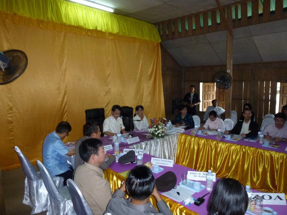 Meeting met Aung San Suu Chi in Mae La vluchtelingenkamp