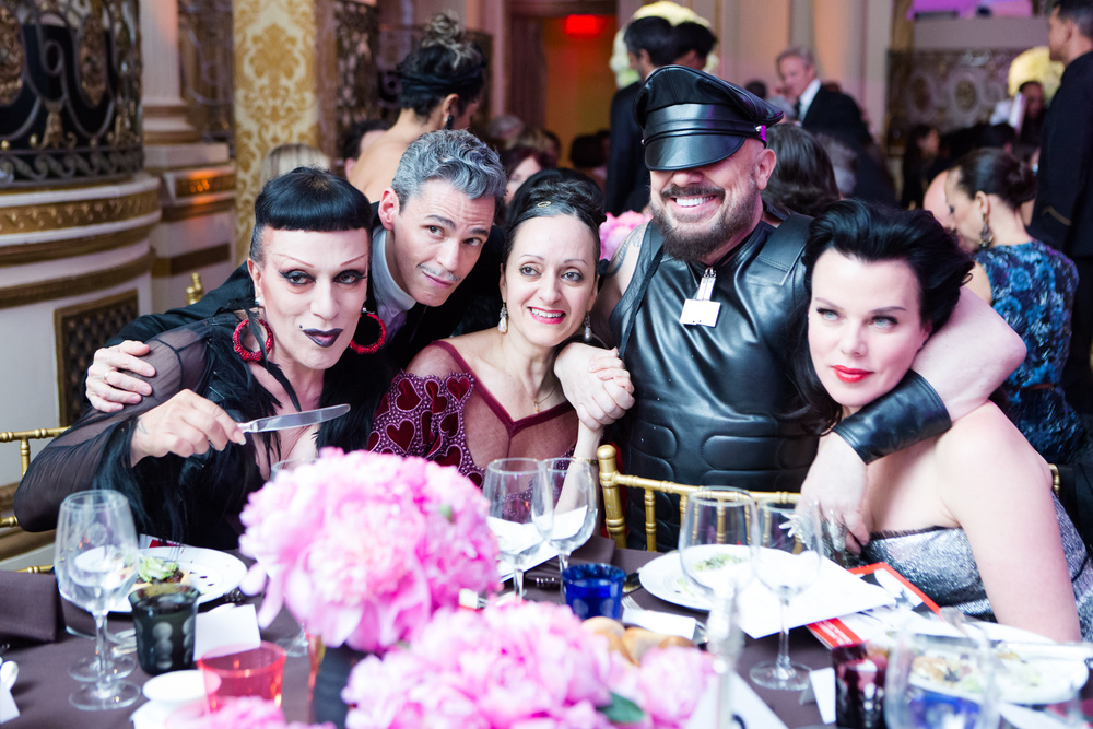 El Museo del Barrio's Gala honoring Ruben & Isabel Toledo and MAC Cosmetics, celebrating Antonio Lopez.  Joey Arias, Ruben Toledo, Isabel Toledo, Peter Marino, Debi Mazar. Photo by BFA/Cart Timpone.