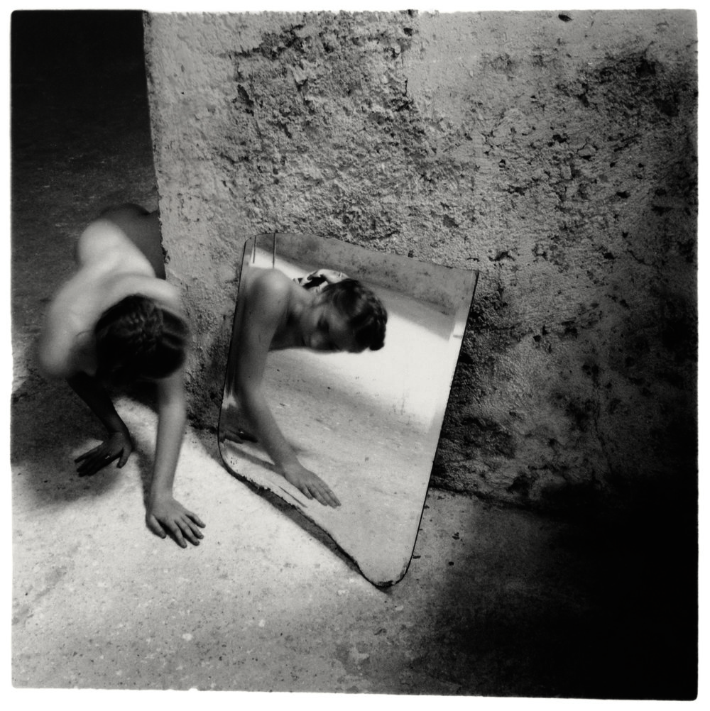 Francesca Woodman, Self-deceit #1, Rome, Italy, 1978/1979, © Courtesy George and Betty Woodman, New York / The SAMMLUNG VERBUND Collection, Vienna