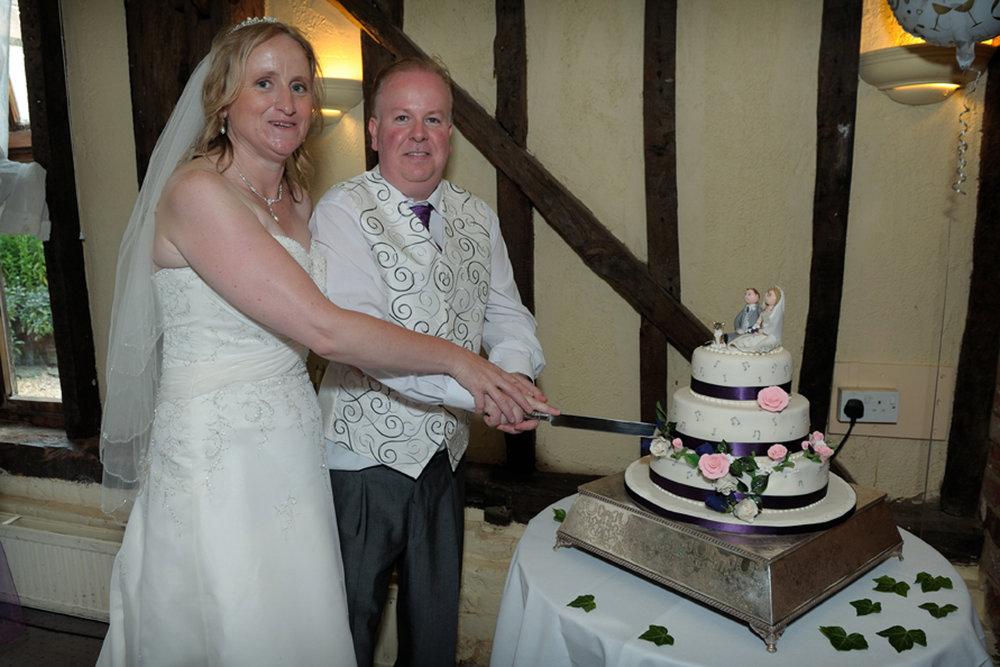 All Saints Wokingham Wedding photography_16.JPG