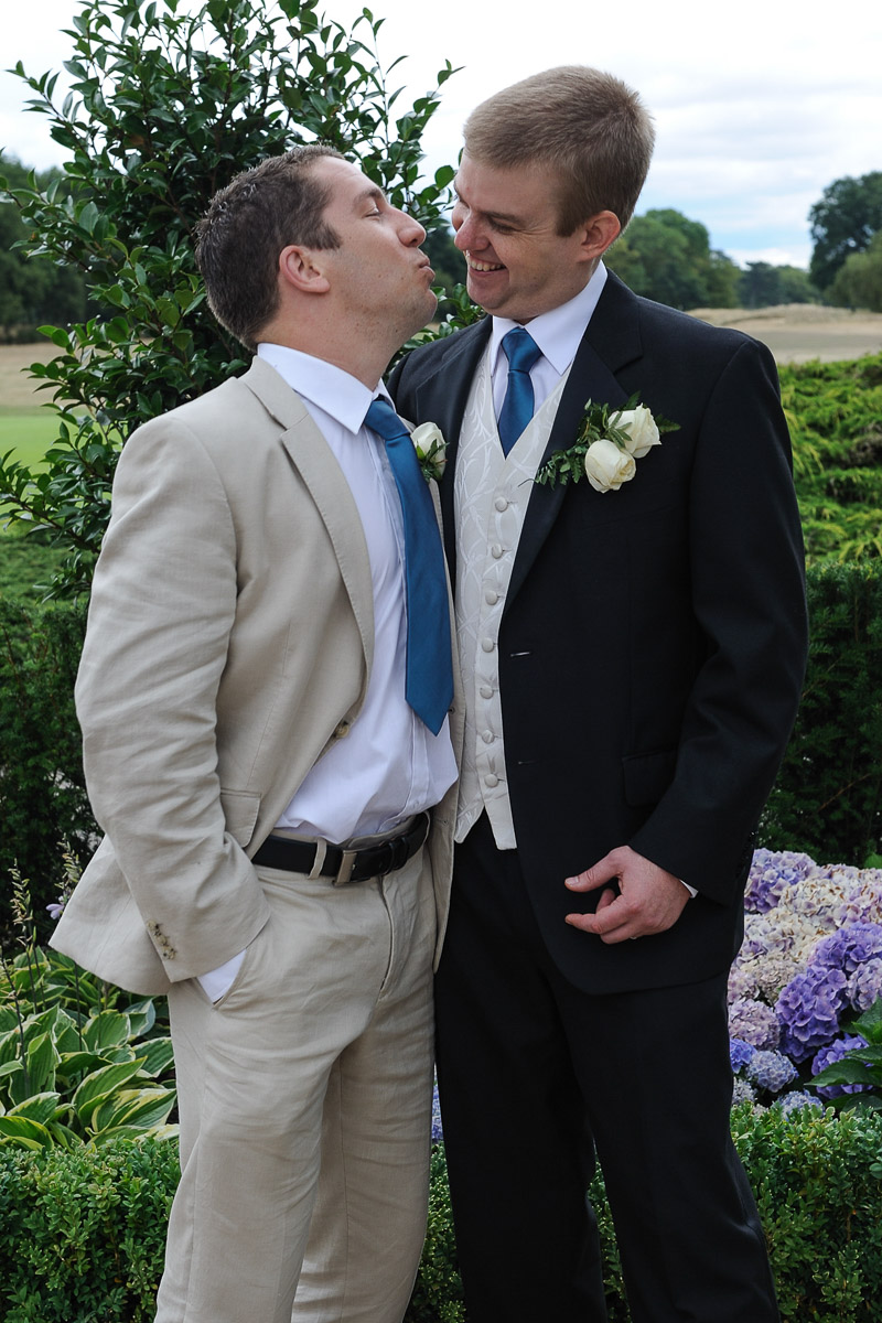 Sonning Golf Club Wedding photography_09.jpg