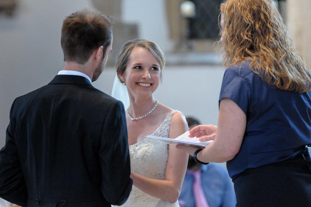 Greyfriars Reading wedding photography_16.jpg