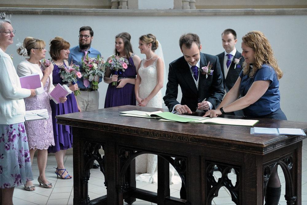Greyfriars Reading wedding photography_27.jpg