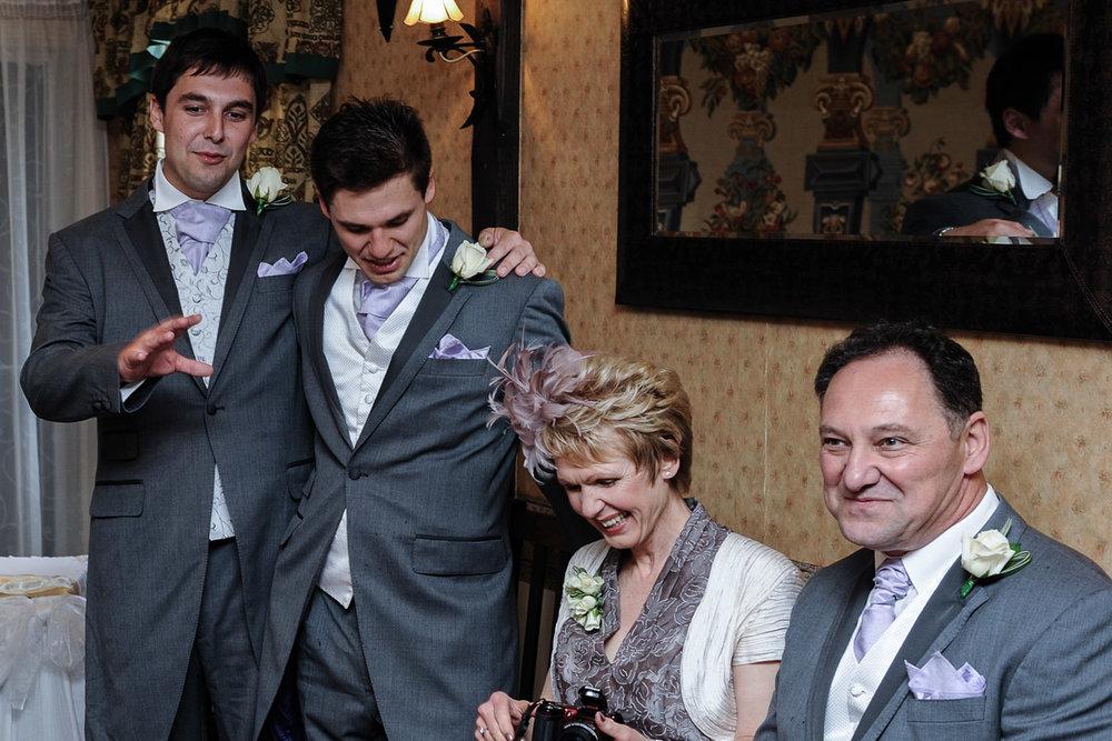 Old Mill Aldermaston wedding photography_11.jpg