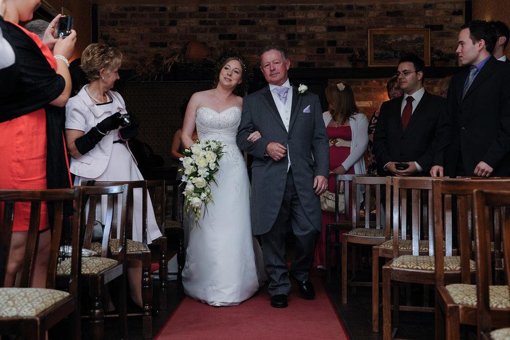 Old Mill Aldermaston wedding photography_15.jpg