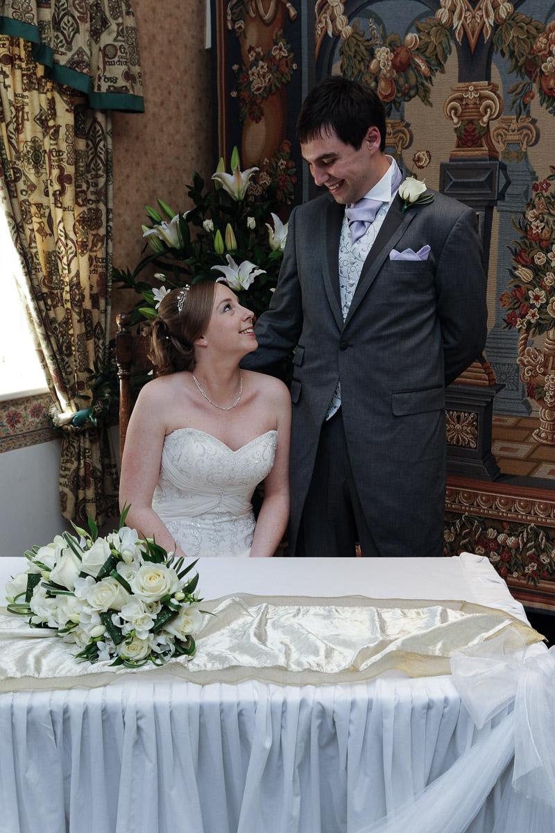 Old Mill Aldermaston wedding photography_20.jpg