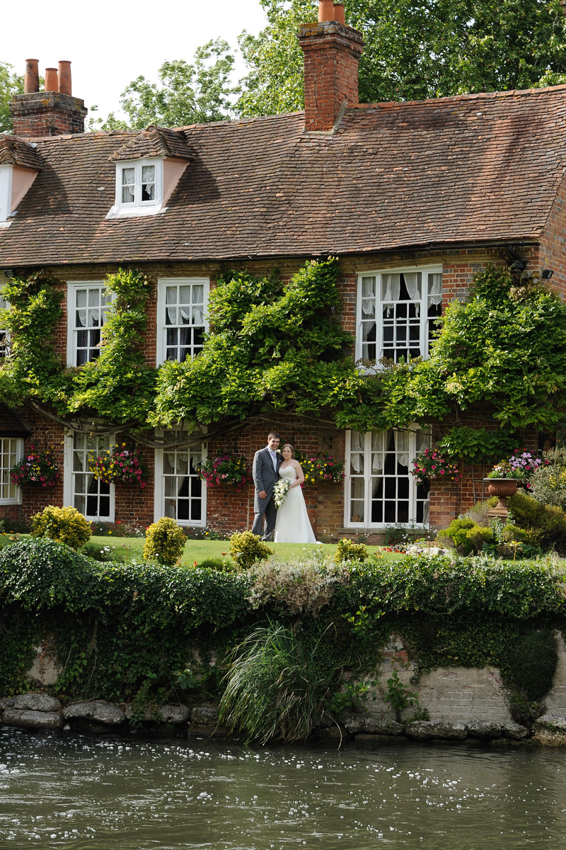Old Mill Aldermaston wedding photography_47.jpg