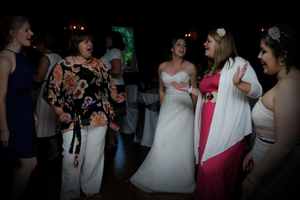 Old Mill Aldermaston wedding photography_88.jpg