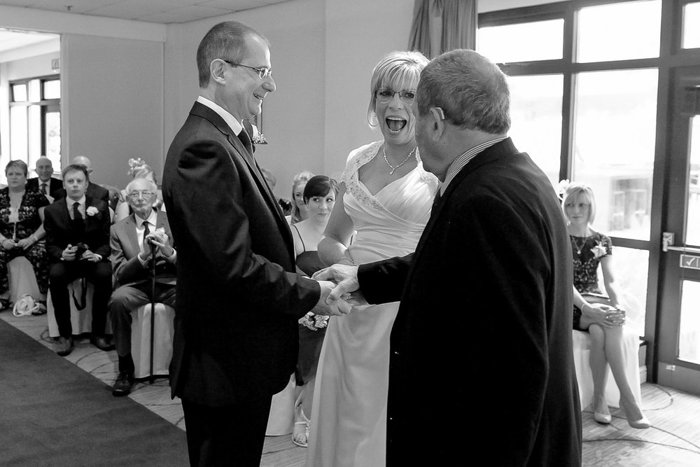 Meon Valley Marriott wedding photography_15.jpg