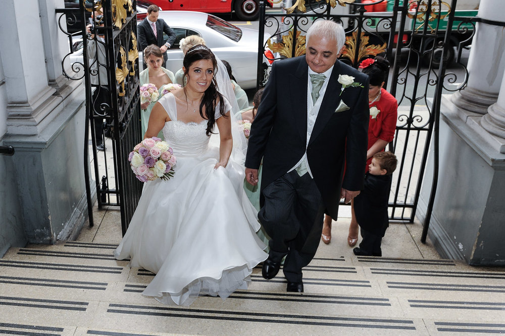 hampton court wedding photography_09.jpg