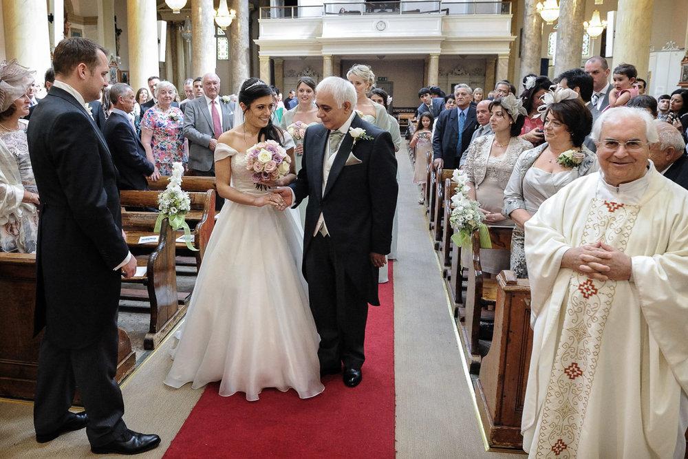 hampton court wedding photography_11.jpg