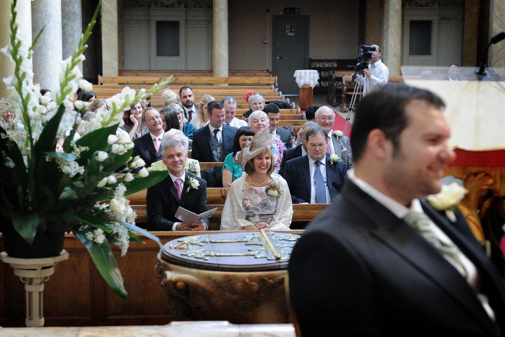hampton court wedding photography_15.jpg