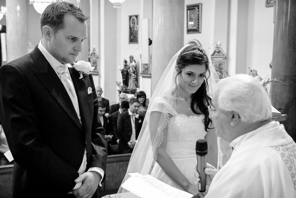 hampton court wedding photography_16.jpg