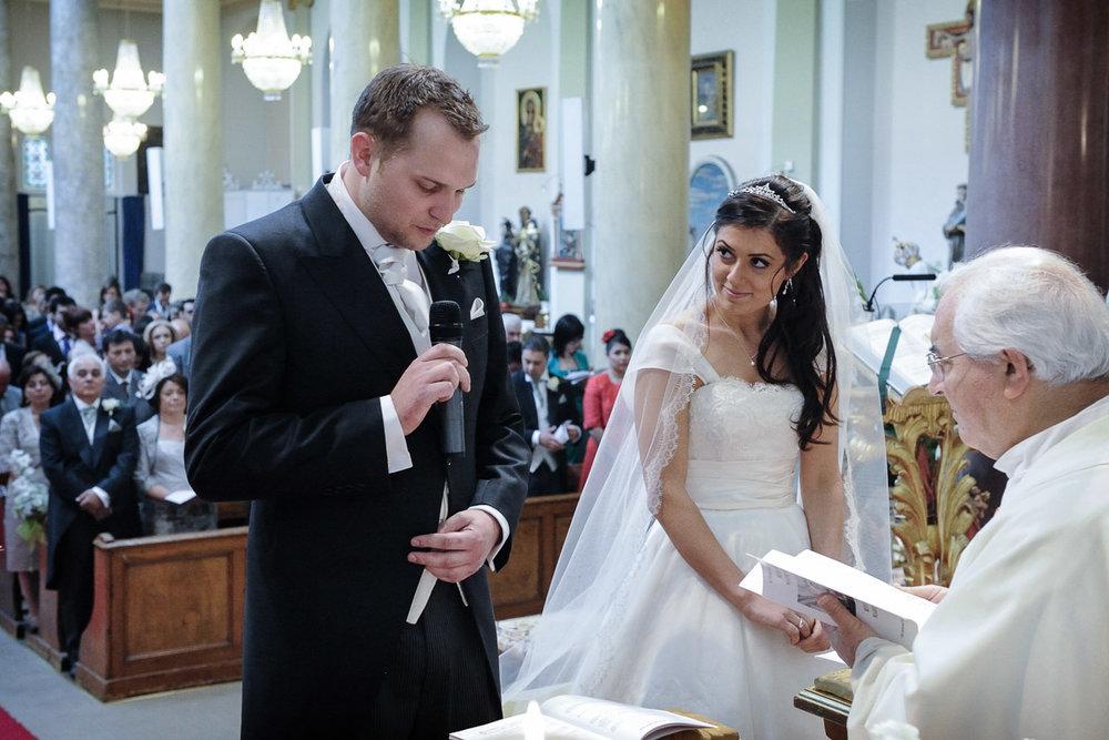 hampton court wedding photography_17.jpg