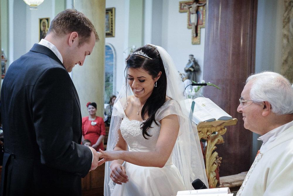 hampton court wedding photography_20.jpg