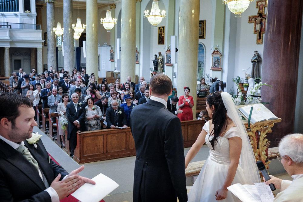 hampton court wedding photography_23.jpg