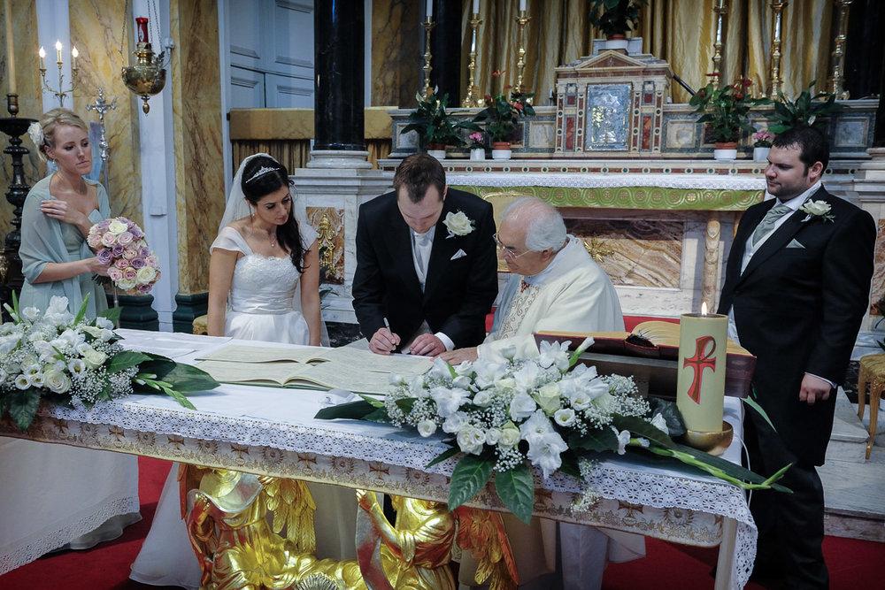 hampton court wedding photography_24.jpg