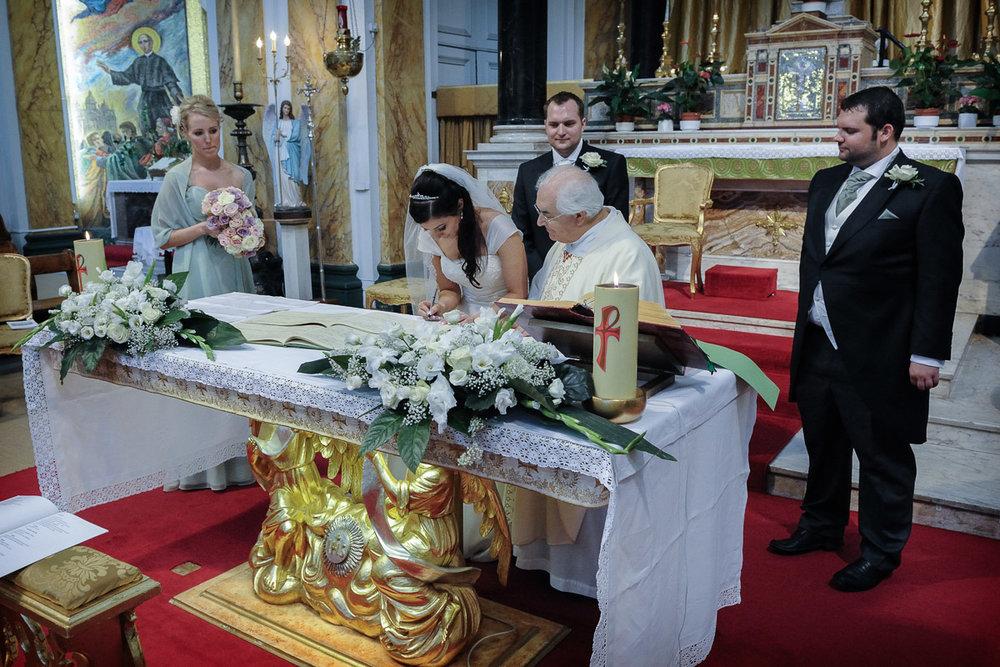 hampton court wedding photography_25.jpg