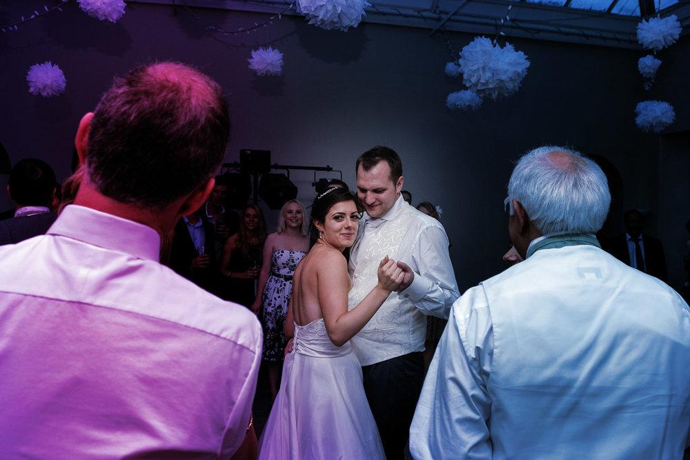 hampton court wedding photography_62.jpg