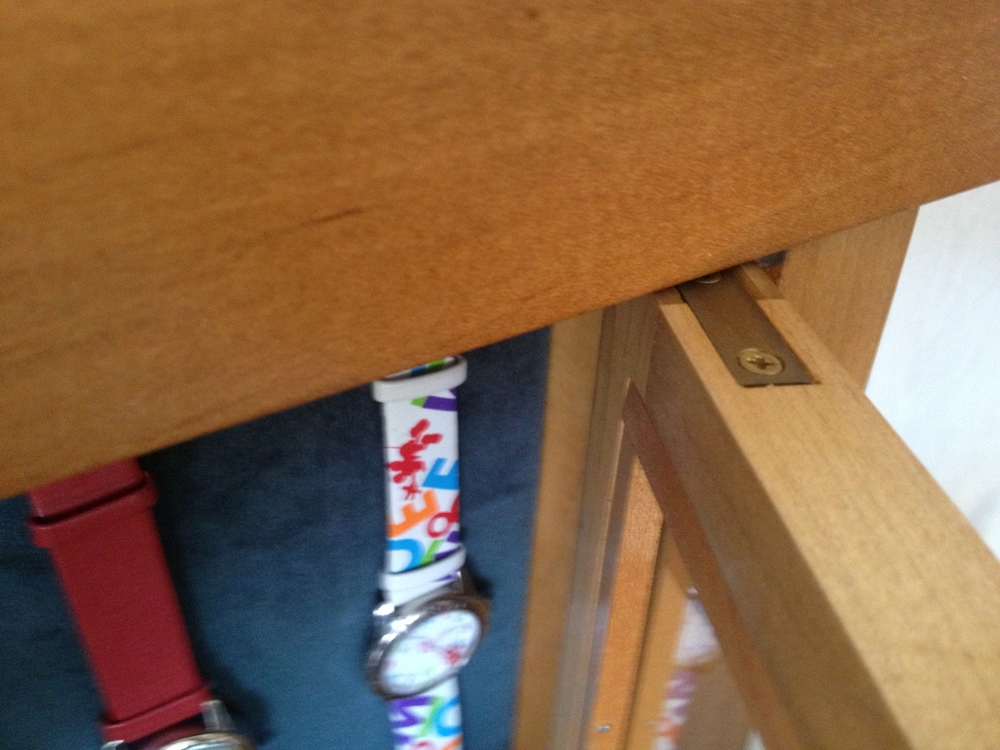 Alisa Cabinet Knife hinge.jpg