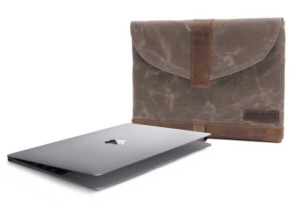 sleevecase-canvas-front-macbook12_1024x1024.jpg