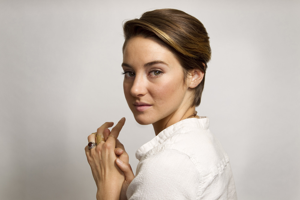 Shailene Woodley with high key lighting.