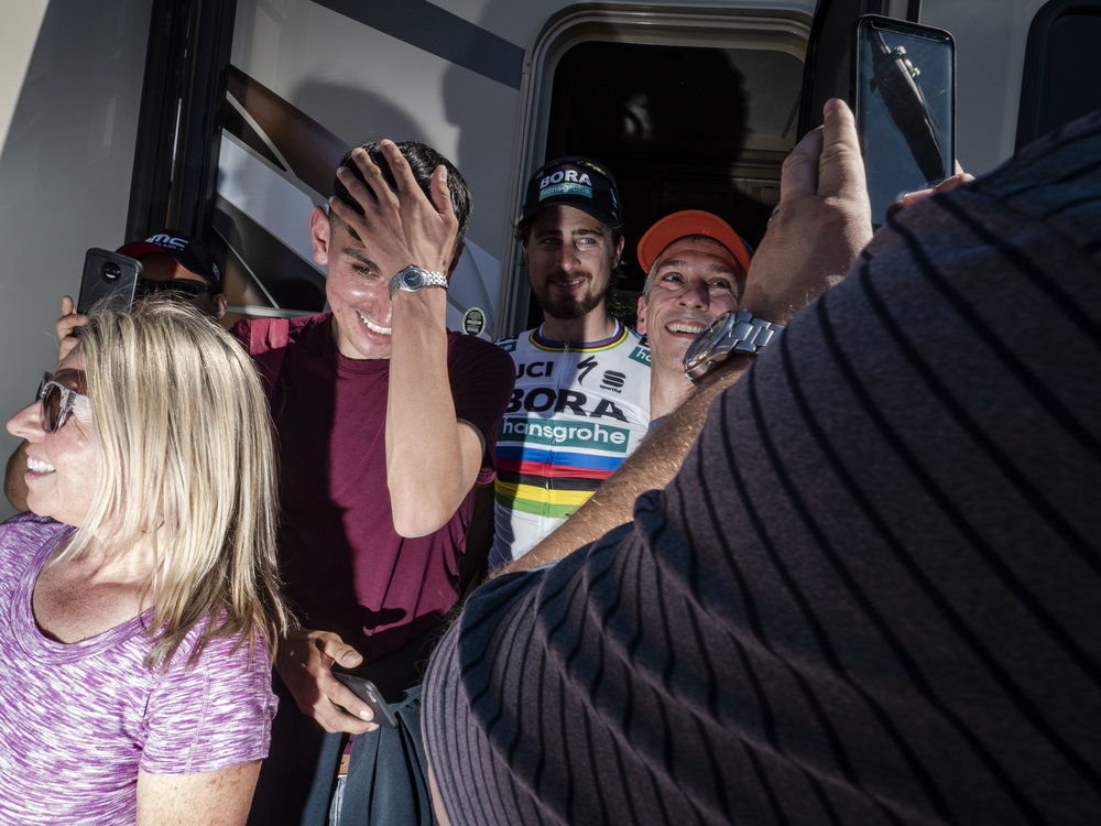 sagan-fans-shadow.jpg